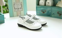 Wholesale Girl genuine leather shoes for girls children students dancing shoes loafers princess cartoon flat shoes new design girls shoes
