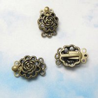 al por mayor broches de latón antiguos al por mayor-50pcs al por mayor de joyería retro de bronce antiguo de latón Metal11 * en forma de flor 17mm corchete de las pulseras y collar de la joyería que hace