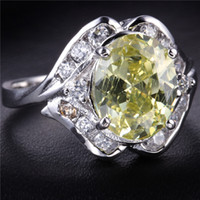 Wholesale KT White Gold Plated Ring with ct Peridot Green Crystal around zircon Fashion jewelry gem stone for women man wedding gift