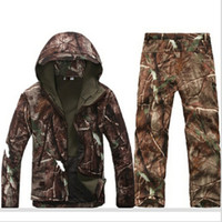 Wholesale Tactical Softshell Hunting Sets Mens Sport Waterproof Hunting Clothes Winter Fishing Hunting Waterproof Breathable Hunting Sets