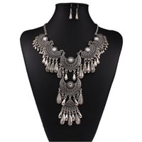 Wholesale New Hot Selling Women Bib Retro Silver Tassel Pendant Crystal Choker Chunky Necklace Earring Set Antique Gift