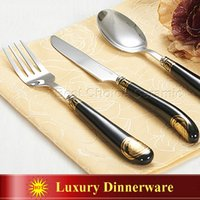Wholesale Ceramic decal outline in gold the woman s head design stainless steel Flat ware Sets Steak Knife Forks Spoons with gift Box