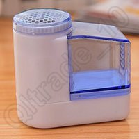 Wholesale 5000pcs CCA3807 High Quality Portable Mini Electric Fuzz Lint Fabric Remover Sweater Clothes Shaver Rechargeable Clothes Shaver Lint Remover