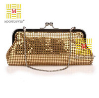 aluminium beading - Factory direct sales in Europe and the popular process of aluminium brand evening bag fashion elegant handmade beaded chain bag lady s hand