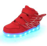2016 NOUVEAU les enfants de style USB chargeant la lumière de LED badine la danse de boîte de nuit des enfants chaussent les garçons et la mode d'espadrille des filles ailé des chaussures sh occasionnel