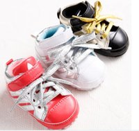 Wholesale cheap girl solf bottom kid sports baby shoes first walking discount boy Spring PU lace loafers factory Outlet