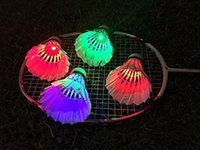 Wholesale Brand New LED Badminton Shuttlecock Birdies Lighting Dark Night Glow LED Sports Light Flash Colors Badminton Shuttlecocks