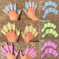 Wholesale Hot Sale Soft Silicone Swimming Fins Flippers Frog Hand Swim Web Webbed Glove Training Paddle Dive Swimming Equipment Multi Size