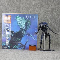 action horror movie - 32CM NECA Sci Fi Horror Movie Aliens Series No Alien Queen Action Figure Toys