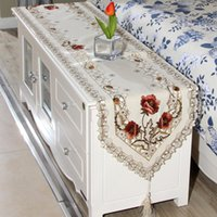 Wholesale Elegant Polyester Embroidery Table Runner Handmade Embroidered Flower Floral Cutwork Simple Home Table Cloth Covers Runners