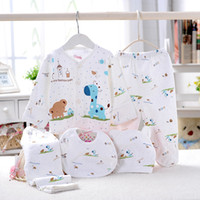Wholesale Lovely giraffe Neonatal Baby underwear girl boy Clothing hat Coat Bib pants set Children Clothing
