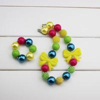 achat en gros de gris perle collier-Ensemble de bracelet en forme de Bubblegum, gros, bubblegum, arc jaune avec perles arc-en-ciel, photo-support, anniversaire, 2ème, 3ème, gris et jaune, filles,