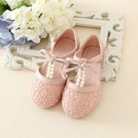 Precio de Sandalias de perlas flores-El resorte 2016 y el verano La nueva manera embroma los zapatos de las muchachas de flor de la perla de la perla y de marfil de los zapatos de las muchachas de los zapatos de las muchachas de las sandalias del arco de los zapatos
