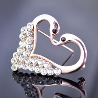 alloy swans diamond - Christmas gift rhinestone brooches Kiss Love of Swan Crystal diamond Alloy Elegant Corsage Brooch jewelry Pins For Women Gift