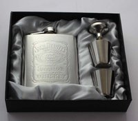 Wholesale Hot sale High quality portable oz jack hip flask set stainless steel hip flask flagon with cups funnel