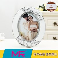 acrylic photo stands - 8 inch photo frame oval EU classic style acrylic eco friendly material with diamante edged picture frame can be standing home decoration