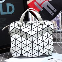 Wholesale Unisex Briefcases Hot Fashion Preppy Style Women s Totes and Shoulder Bag Geometric Lattice SAME AS BAOBAO BAG Hight Quality