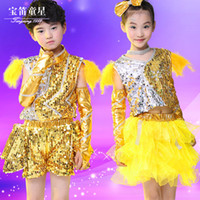 Wholesale Christmas Halloween Stage Wear Jazz Dancewear DS Dancing Costumes Boys Sequins Crop Top Shine Short Pants Girls Veil Dress Suits for Child