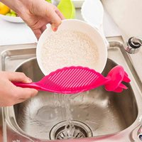 Wholesale 2016 New Arrival Portable Silicone Taomee Device Strainer Easy Useful Kitchen Gadget Cooking Tools Candy Color Random