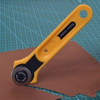art cutting tools - Leather Craft Tools Circular Cut Tool Yellow Sharp edged Rotary Blade Cutter Patchwork Fabric Leather Craft Sewing Tools