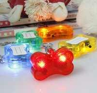 Wholesale Hot Selling Safety Flashing LED Dogs Tag Bone Collar Blinking Glow Light Pet Puppy Cats Pendant Tag Fashion