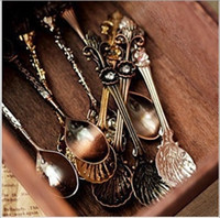 Wholesale 2016 Vintage retro Alloy Coffee Spoon Crown Palace Carved Tea Ice Cream Scoop Dessert Spoons Cutlery kitchen accessories cheap
