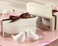 Wholesale Nice sets Popular Wedding Favor Love Birds Salt And Pepper Shaker Party Favors For Party Gift