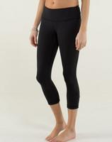 Wholesale Nwt Women Black Wunder Unders Yoga Crops Yoga Pants Black Yoga Leggins capri Gym Pants Workout Pants NWT SIZE