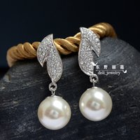 Wholesale High quality K white glod plated Venetian pearl synthetic crystal leaf dangle earrings elegant wedding bride jewelry for women