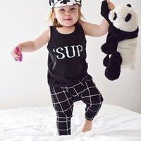achat en gros de filles damier blanc noir-Nouveau 2016 enfant filles costume coton rayé chemise noire et blanc pantalons à carreaux 2 / set Bébé garçon Baby Girl Enfants Set