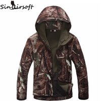 Wholesale Hot Softshell Jacket Men Military Tactical Jackets Outdoor Waterproof Sports Camouflage Hunting Camping Hiking Fleece Jackets