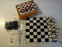 Wholesale Portable chess plastic pieces and board simply version