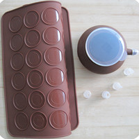 Wholesale Pastry Tools Large Size Holes Macaron Silicone Baking Mat Cake Christmas Bakeware Muffin Mold decorating Tips Tools
