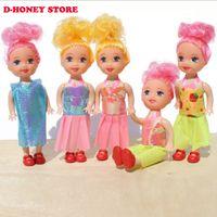 al por mayor muñeca de la muchacha de la manera del juguete-Las mini muñecas lindas de la muchacha del regalo de la muñeca del regalo de la muñeca 10cm 2016 forman a muñecas populares del regalo de la muchacha de las muñecas juegan el decoraction del keychain del bolso Envío libre
