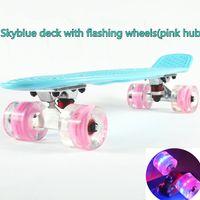 Wholesale 22 inch Good quality LED flashing luminous wheels Skateboard single rocker longboard mini cruiser skate board