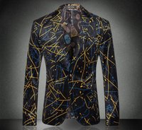 abstract clothing line - Europe and the United States men s clothing in the autumn of The new winter long sleeve abstract lines printed velvet jackets