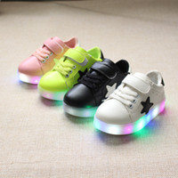 Wholesale New Autumn Children s LED Flash Light Shoes Baby Girls Colorful Star Casual Shoes Boys Fashion Sport Shoes SASA