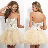 short sparkly prom dresses - Sparkly Sexy Lace Short A Line Homecoming Dresses Sweetheart Lace up Back with Applique Beaded Crystal Prom Graducation Gowns
