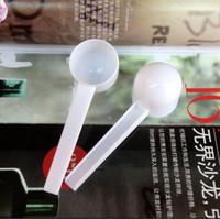 Venta al por mayor 1000pcs plástico profesional blanco 5 gramo 5g cucharadas / cucharas para el alimento / leche / polvo de lavado / medicina de medición