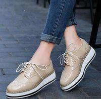 achat en gros de appartements plateforme oxford-Women Platform Oxfords Brogue en cuir verni Chaussures en dentelle Chaussures Pointe Toe Creepers Vin vintage beige de luxe rouge Noir Rose