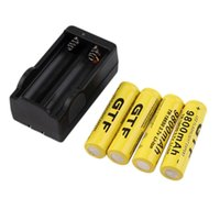 Wholesale 4 set battery V mAh rechargeable li ion battery with charger for Led flashlight batery litio battery Cell