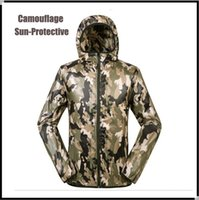 Wholesale Outdoor camping hunting is prevented bask in men women lovers with waterproof jacket super light uv camouflage skin trench coat