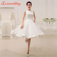 Wholesale Fashionable White Short Graduation Dresses Sleeveless A Line Knee Length Satin Homecoming Dresses with Bow Under Prom Party Dress