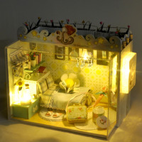 doll house - 2016 New Wooden Dollhouse Furniture Kids Toys Handmade Gift Diy Doll House Kits With LED Stuff Home Decor Craft Doll Houses Miniature TD1