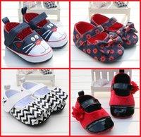 achat en gros de zèbre crochet-Chaussures de toile bon marché des enfants de bande dessinée nouvelles chaussures de bambou de bébé d'automne de ressort chaussures doux-soled de PU de zèbre de boucles d'arc doux 12pair / 24pcs B3
