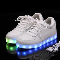 Wholesale New Brand Chaussure schoenen Led shoes Women Lumineuse Luminous Casual Men Light Up Shoe With Lights For Adults Mens Femme