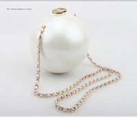Wholesale High end Shell Pearl Bales Dinner Party Bride Dress Package Bag Chain Hand Bag Bag Pearl package