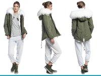 MrMrs Italie Crafted de armygreen toile de coton veste bordée de dames de fourrure de lapin mini-capot parkas avec fourrure de raton laveur