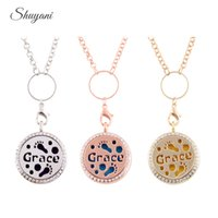 Wholesale 30mm Round silver Essential Oil Diffuser Perfume necklace locket Aromatherapy stainless steel locket pendant