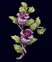 Wholesale Bling Fashion Pink Rose Crystal Pins Brooches Long Gold Stem Green Leaves Romantic Antique Two Flowers Bud Broach for Women Coat